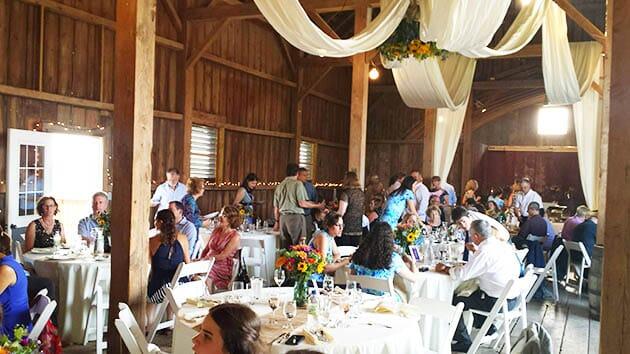 Weddingbarn_guests